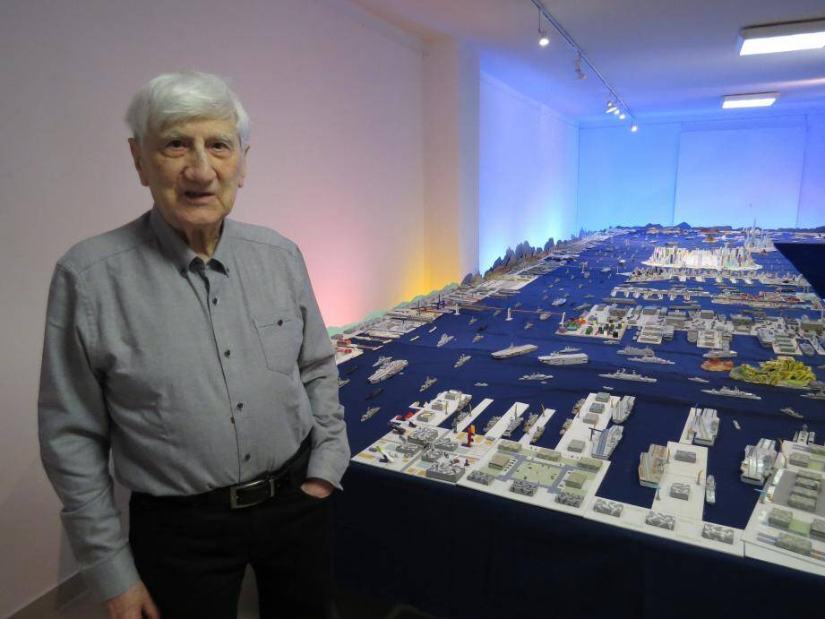 M. Martin et son immense installation portuaire.