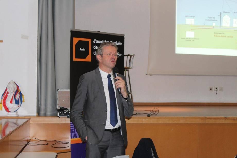 Le directeur régional d'Orange a annoncé le déploiement final de la fibre d'ici deux ans.