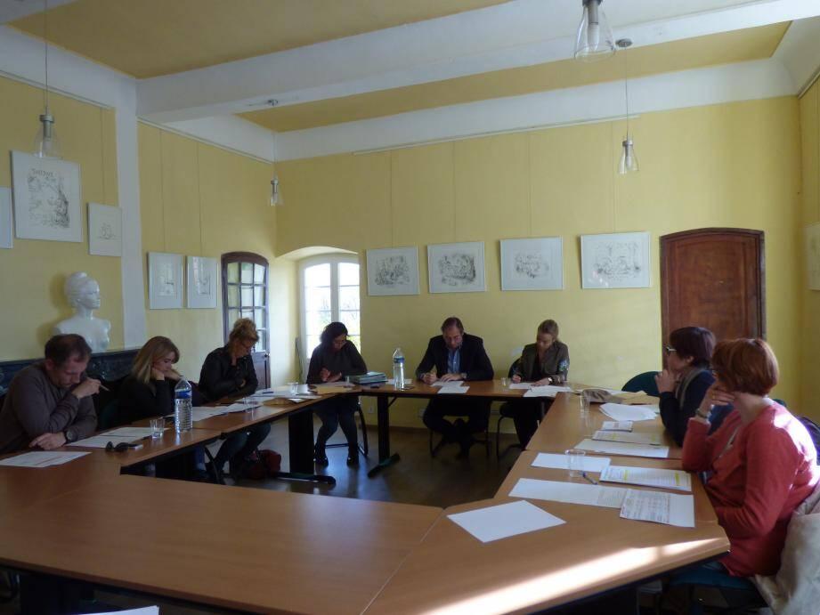 Pierre Jugy, accompagné de sa vice-présidente pour l'occasion, Mélanie Arnaune, a tenu le conseil municipal avec au programme : budget, école primaire, Fête de l'œuf.