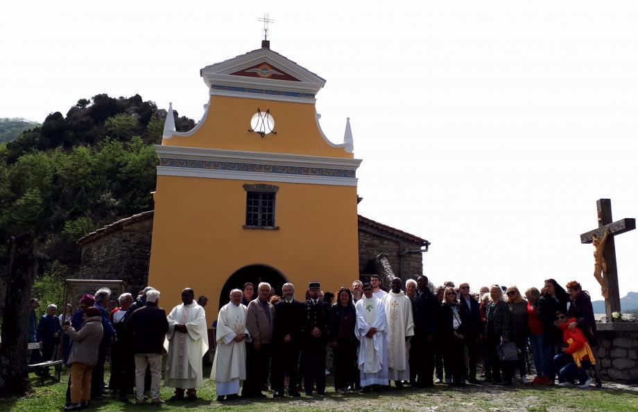 De nombreux fidèles et élus ont participé à cette messe.