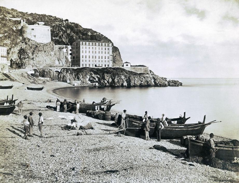 1. La plage des Ponchettes à Nice en 1865.