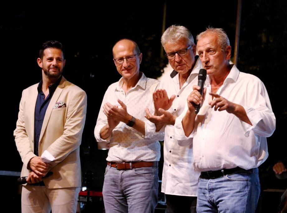 Accueil du public par Roland Constant, le 1er adjoint qui représentait le maire de Cagnes Louis Nègre, il était accompagné du président des commerçants Jean-Michel Cloppet et du PDG de Nice-Matin Jean-Marc Pastorino.