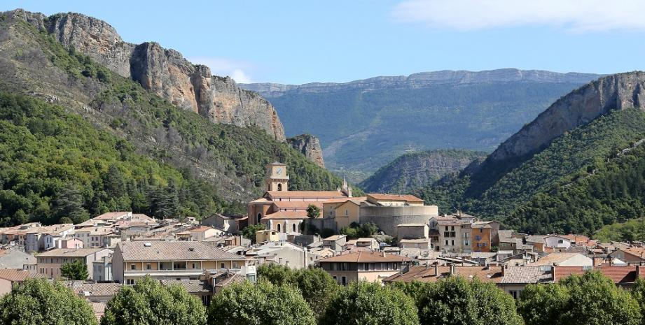 Au cœur d'un poumon vert, Digne-les-Bains conserve son authenticité.