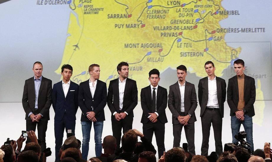 Christopher Froome, Egan Bernal, Steven Kruijswijk, Thibault Pinot, Caleb Ewan,  Julian Alaphilippe, Warren Barguil et Romain Bardet lors de la présentation du Tour de France 2020.