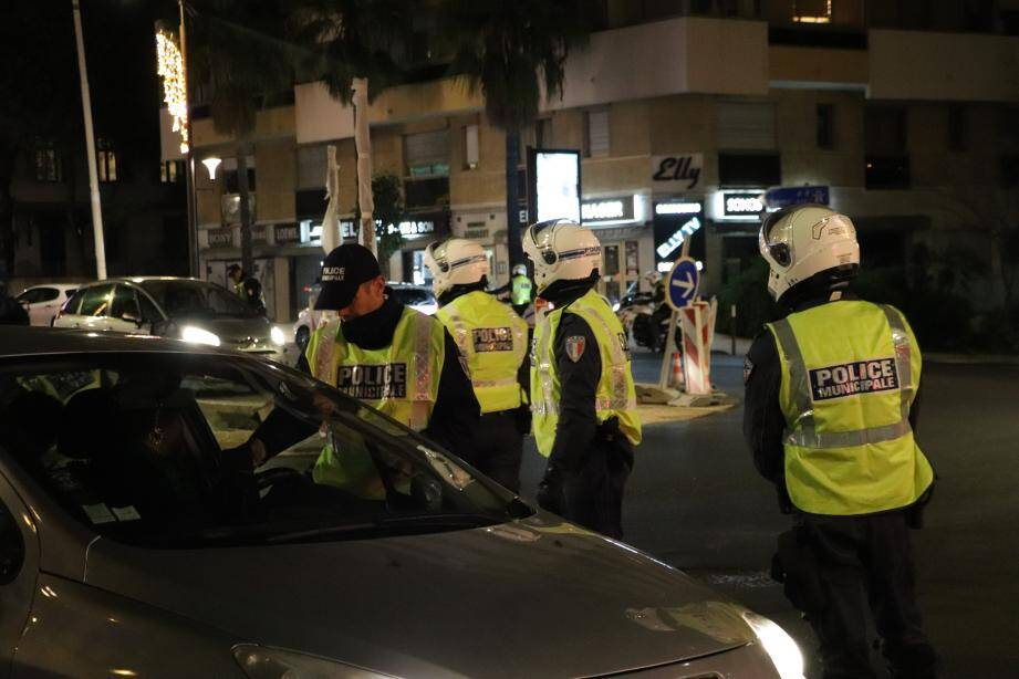 Soixante-deux véhicules ont été interceptés ce soir-là. L'opération qui aura duré deux heures, a permis de détecter trois personnes alcoolisées et une ayant fait l'usage de stupéfiants...