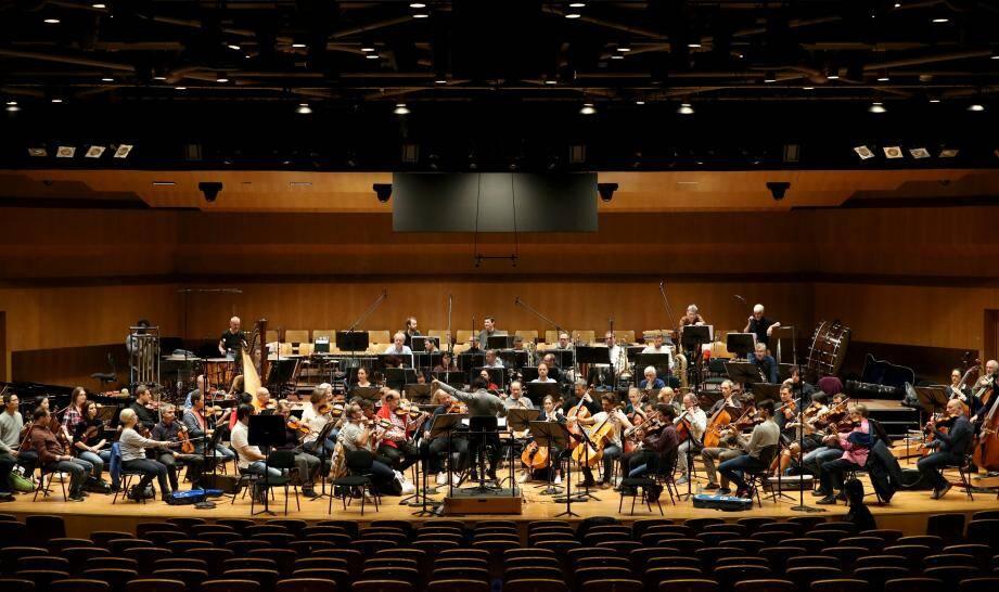 La musique originale de Dédé Truqui a été enregistrée à l'Auditorium Rainier-III par les musiciens de l'Orchestre philharmonique dirigé par Kazuki Yamada.