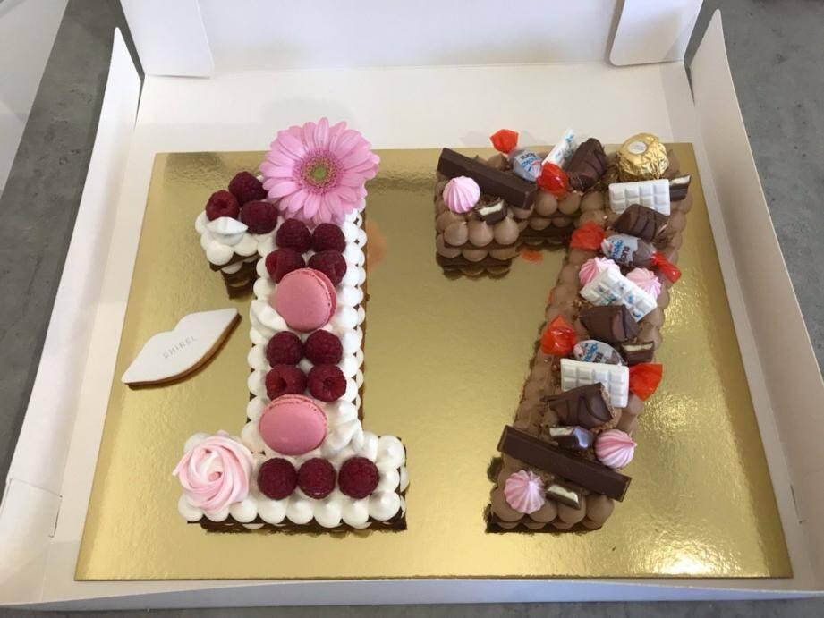 L'entreprise de Delphine s'appelle « Chouchou cake ». Elle propose donc du cake design, des pâtisseries traditionnelles et des ateliers. Comptez 6 euros la part de gâteau. Pour voir ce qu'elle peut réaliser, rendez-vous sur son instagram chouchou_cake, son Facebook Chouchou Cake. Pour commander : 06.14.80.26.70.