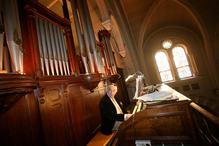 L'organiste titulaire, Dominique Baubet, pourra désormais jouer tout le répertoire religieux.