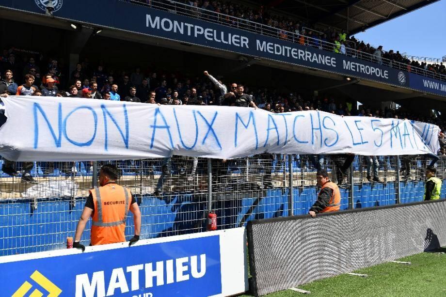 Les supporteurs de Montpellier déploient une banderole le 5 mai 2019 pour réclamer qu'aucun match n'ait plus lieu ce jour-là, en respect pour la mémoire des morts de Furiani, le 5 mai 1992