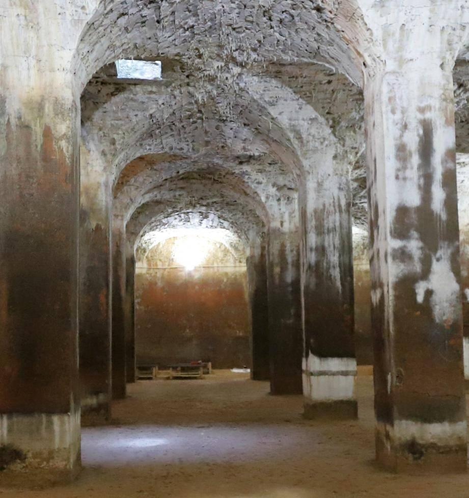 Ouverte aux visites depuis le 28 mai, la cathédrale souterraine accueille comme l'année dernière des spectateurs.