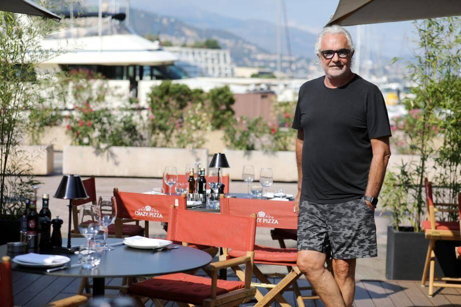 """Rencontre avec Flavio Briatore qui ouvre un restaurant """"Crazy Pizza"""" sur le port Hercule."""