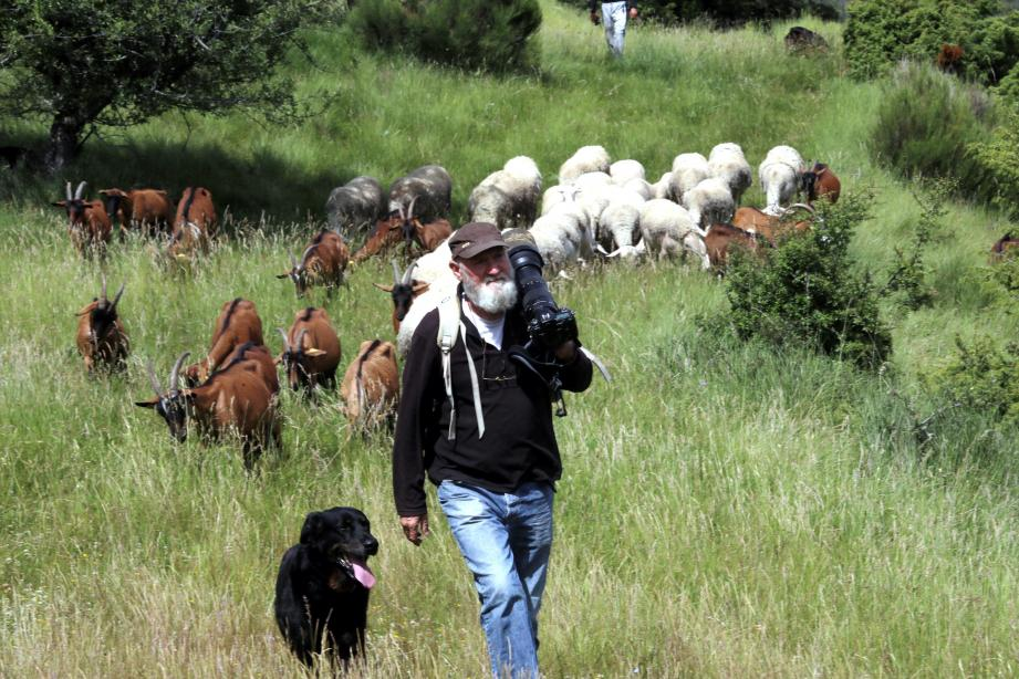 Installé à Châteauvieux depuis trente ans, Claude Bietry est éleveur laitier et photographe.