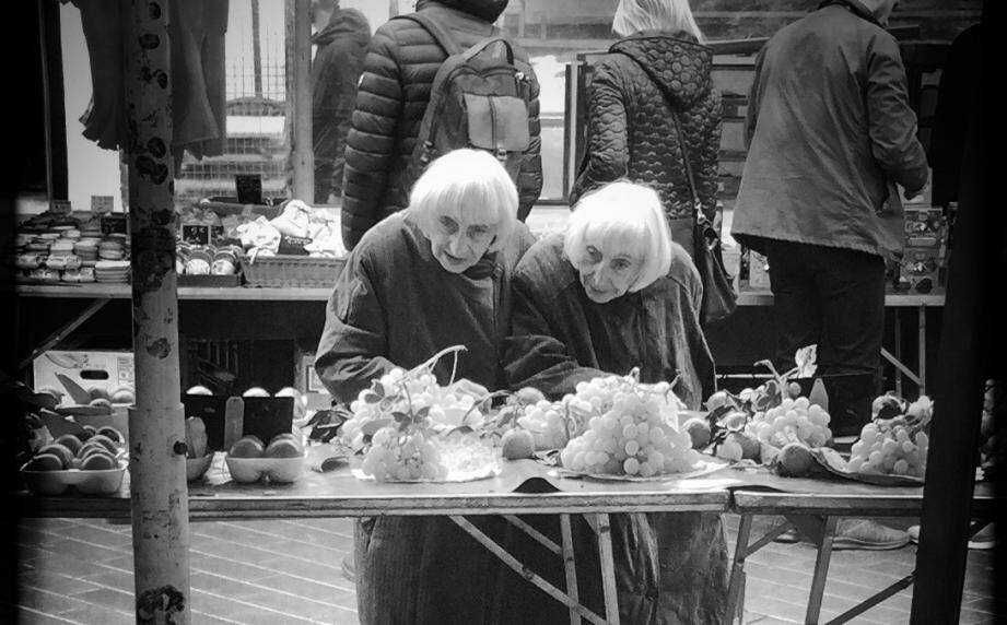 Les jumelles du Vieux-Nice très appréciées des commerçants du quartier.