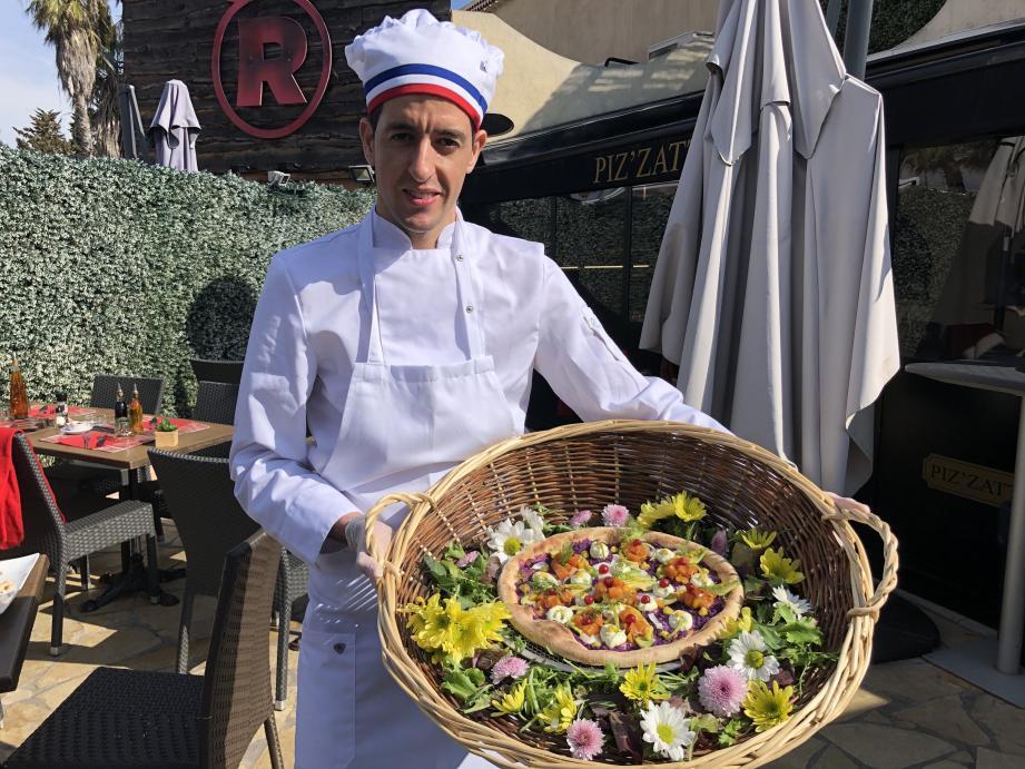 Abdelkader Cherfi travaille à Piz'zatti à Villeneuve-Loubet. Il a été sélectionné grâce à une pizza exotique : tartare de saumon, avocat, mangue, yuzu, gingembre, mozzarella, etc. Le tout sur une base de chou rouge cuit sous vide, à basse température.