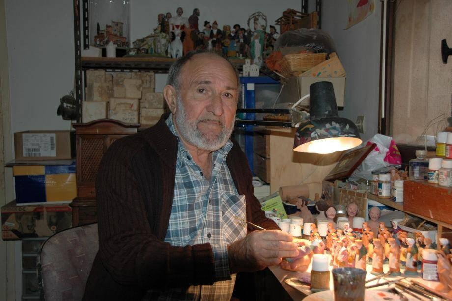 Georges Dalmas a consacré plus de 60 ans de sa vie à confectionner des santons et à défendre les traditions provençales.
