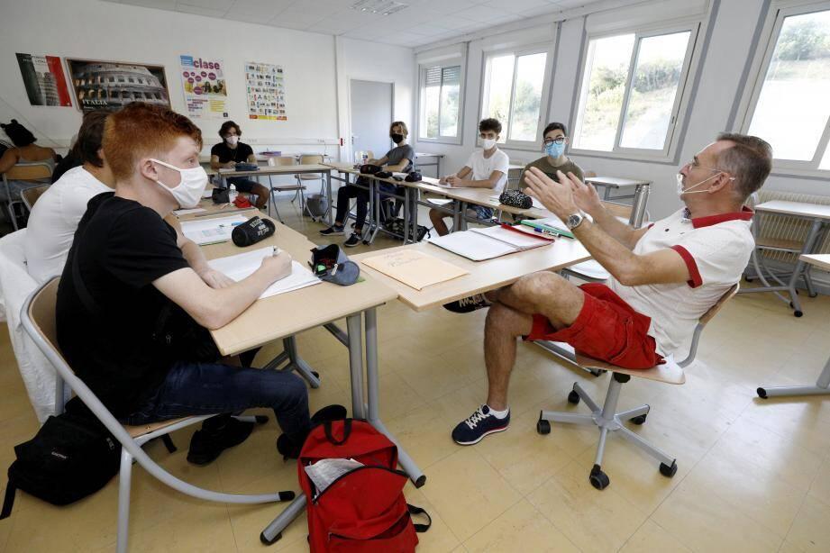 Cette année, treize élèves ont fait leur rentrée au micro-lycée de Menton.