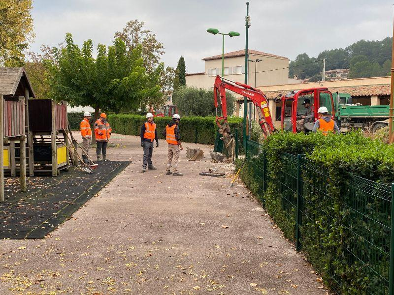 Le réaménagement complet du parc est en cours.