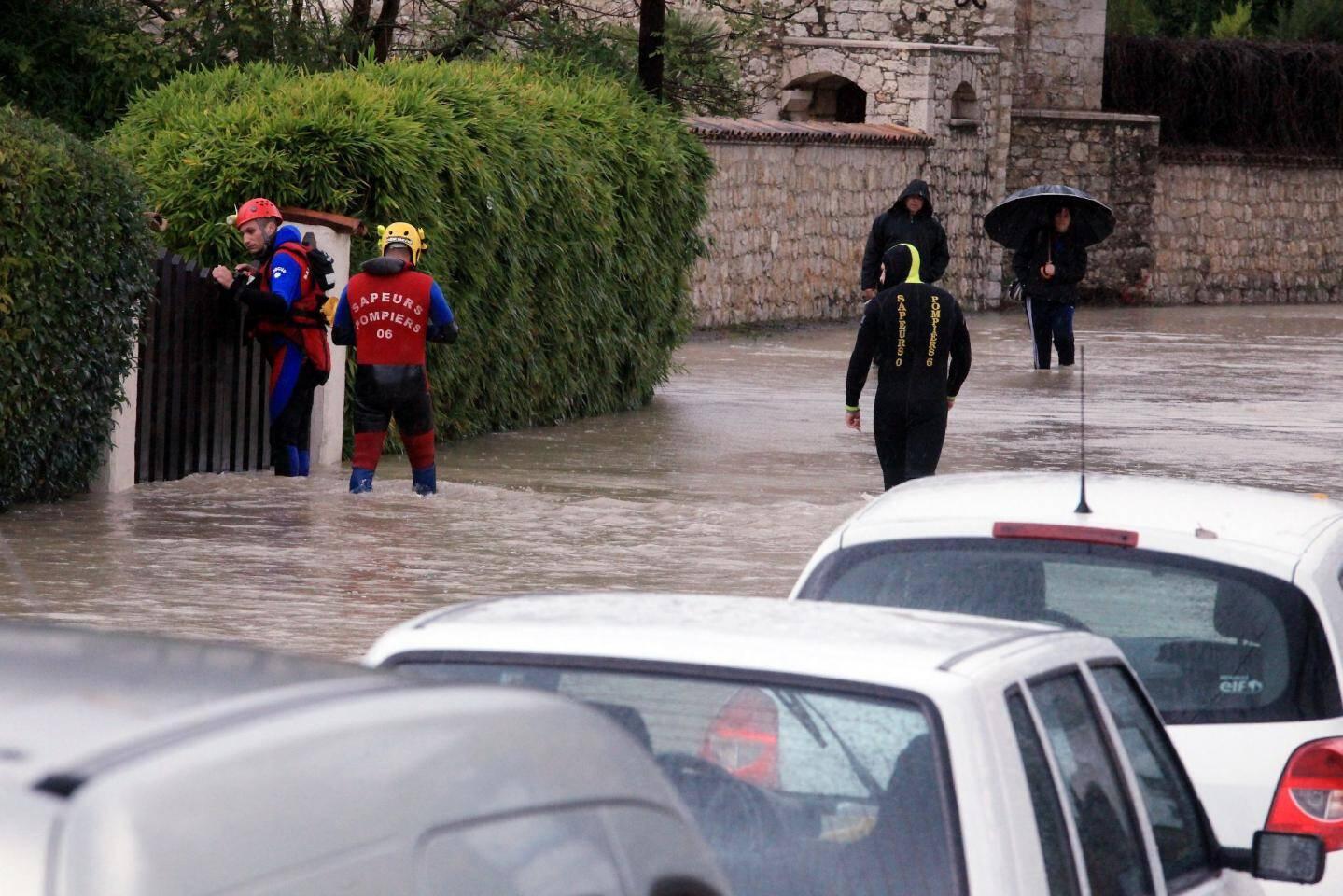 Tout un quartier immergé à La Colle-sur-Loup - 14922374.jpg