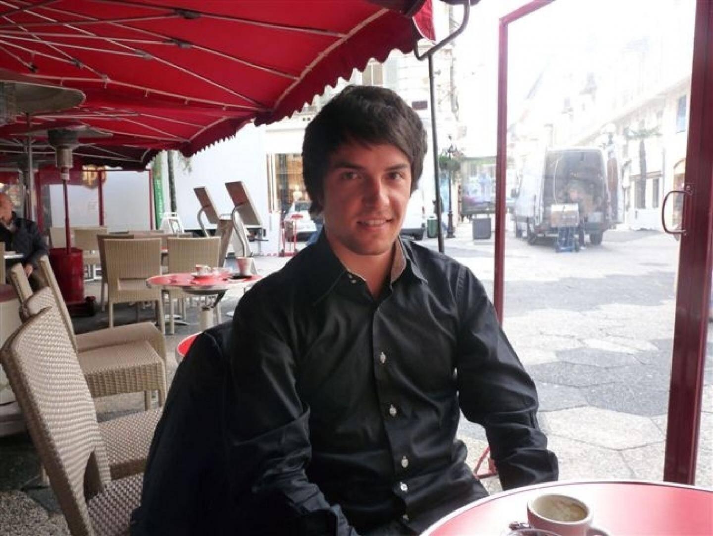 Alexandre Auguste milite activement aux « Jeunes avec Marine » : « Il faut en sortir avec le système UMPS ».