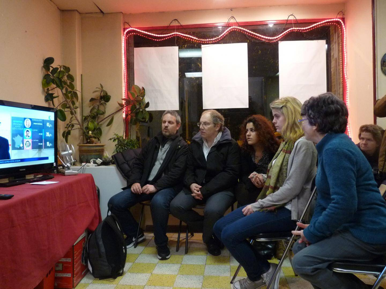 Les jeunes militantes n'ont pas pu contenir leurs larmes hier soir, à l'espace citoyens, de la place Saint-Roch.