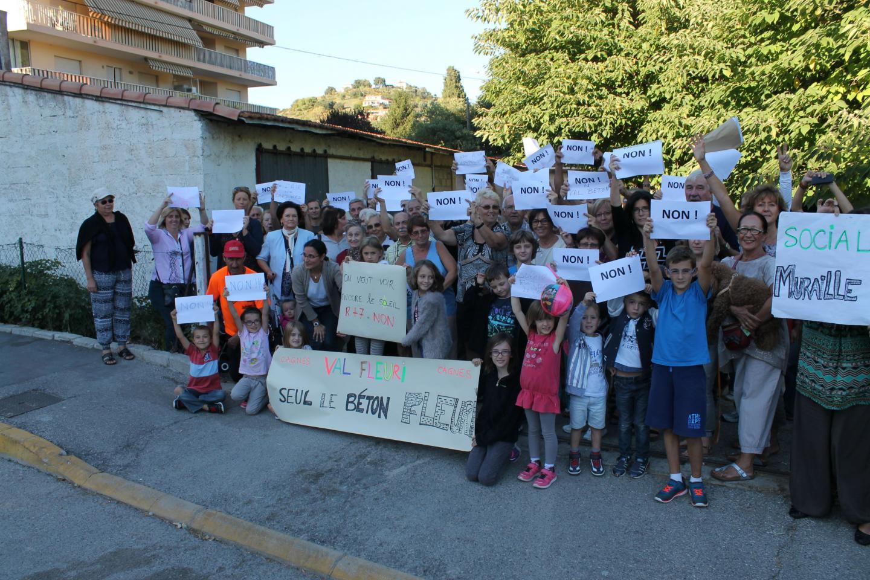 La dernière pétition en date, fin septembre, avait récolté près de 800 signatures en un mois dans le quartier du Val-Fleuri.