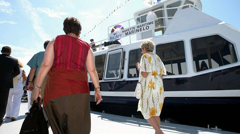 En 2004 et 2005, Marinelo reliait Cannes et Mandelieu, l'été. Un succès la première année, un fiasco la seconde. Le ponton installé à Mandelieu a été revendu dès 2006.