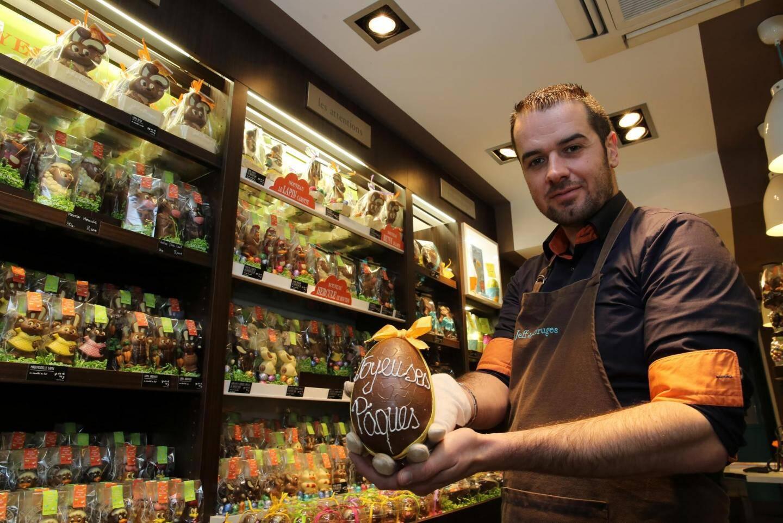Thibaut Lebourque personnalise à la demande les œufs en cinq tailles et trois chocolats.