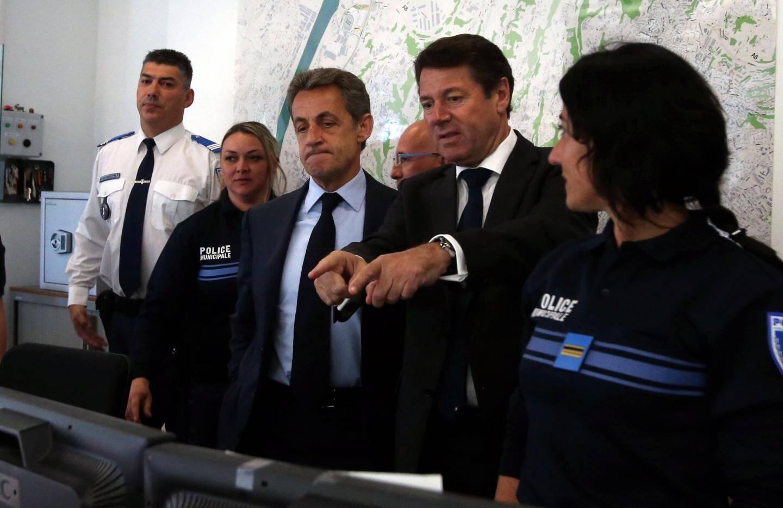Au Centre de supervision urbain de Nice, hier matin, pour la démonstration du système de reconnaissance faciale.