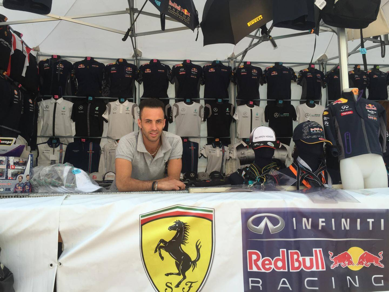 Aldo vient d'Italie pour le Grand Prix.