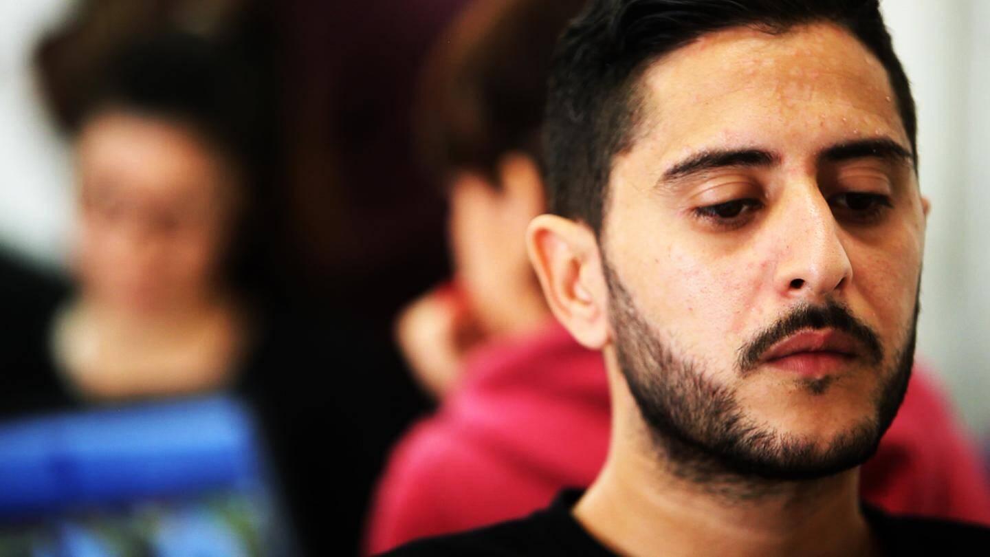 """Saïd, 27 ans, se dit qu'il est temps d'avoir """"un travail et une vie stable"""""""