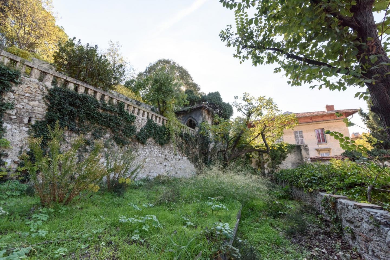 Le jardin aménagé en restanques, était cultivé par les soeurs Visitandines, jusqu'à leur départ à la fin des années 1960.