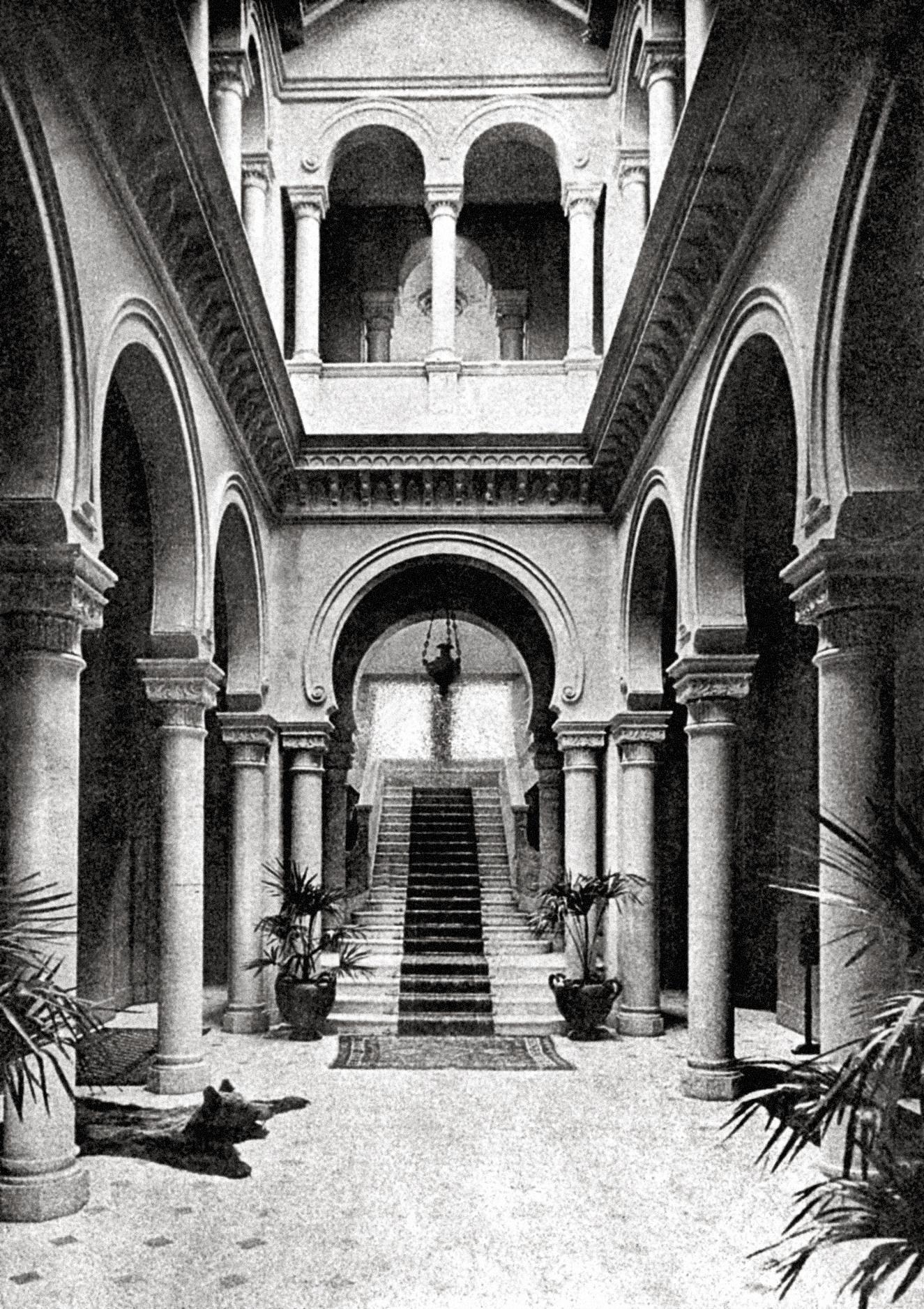 Le jardin d'hiver de la colossale villa Orlamonde, plus connue sous le nom de Maeterlinck.