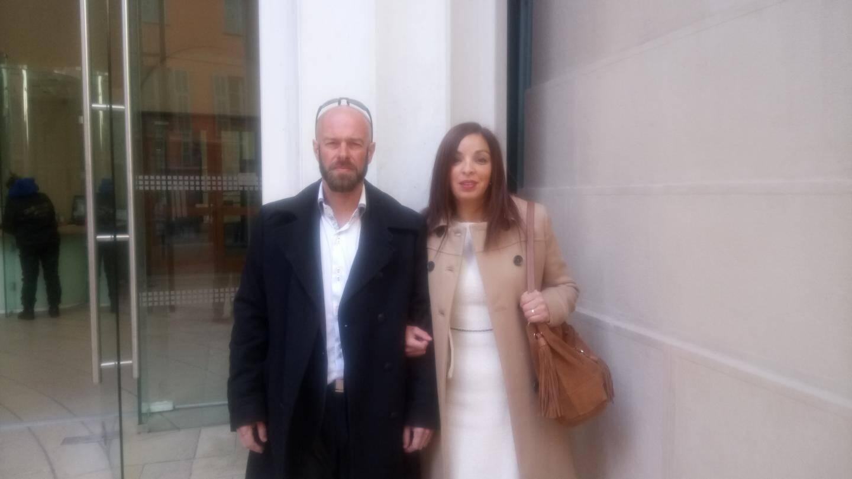 Olivier Flory, chef de chantier, et Fatna Yettaoui, responsable de magasin.