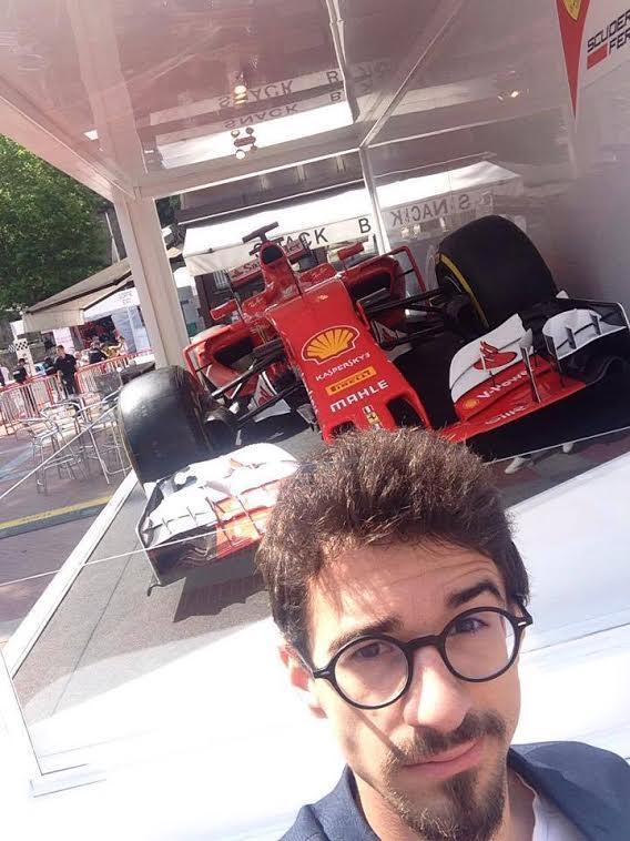 Arsène et une Ferrari