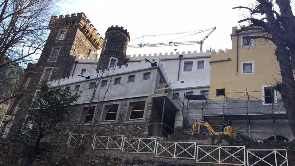 Le château de la Causega, à Fontan, où beaucoup de Mentonnais ont été accueillis en colonie de vacances, va rouvrir au printemps, sous forme de lieu de répit pour les familles fragilisées par la maladie.