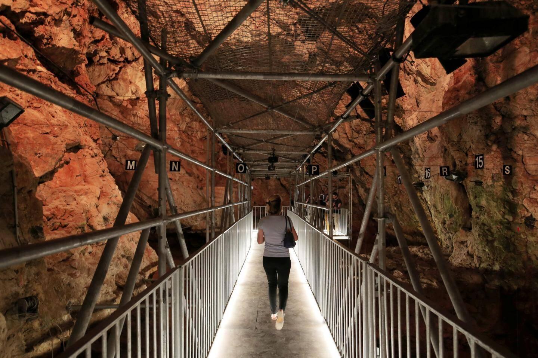 La grotte du Lazaret.