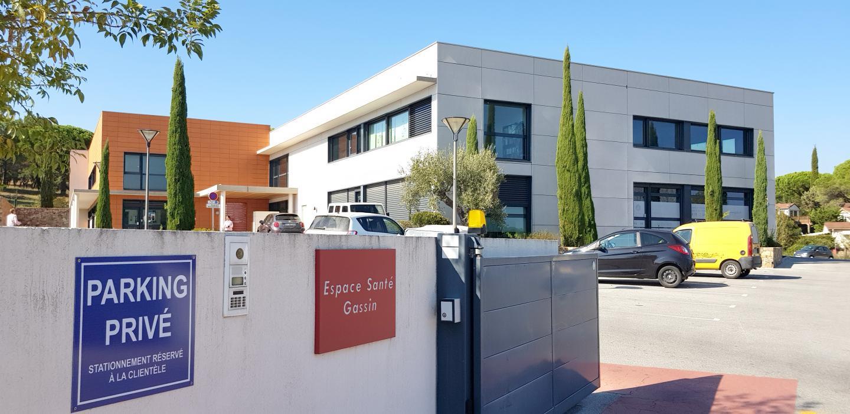 L'espace santé de Gassin, juste à côté du centre hospitalier public-privé ne fait pas le plein de ses capacités en terme de locaux. Le bâtiment est pourtant bien situé.