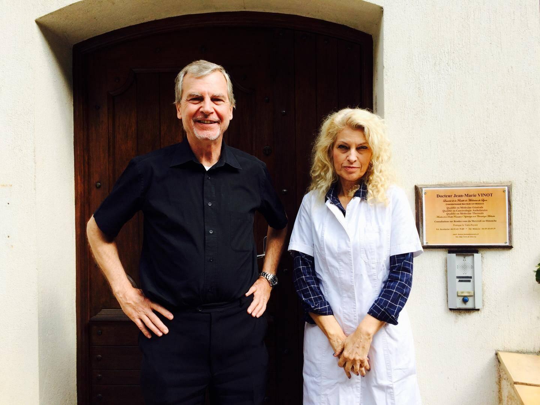 Le nouveau médecin de Lantosque et son assistante Marie-Pierre.