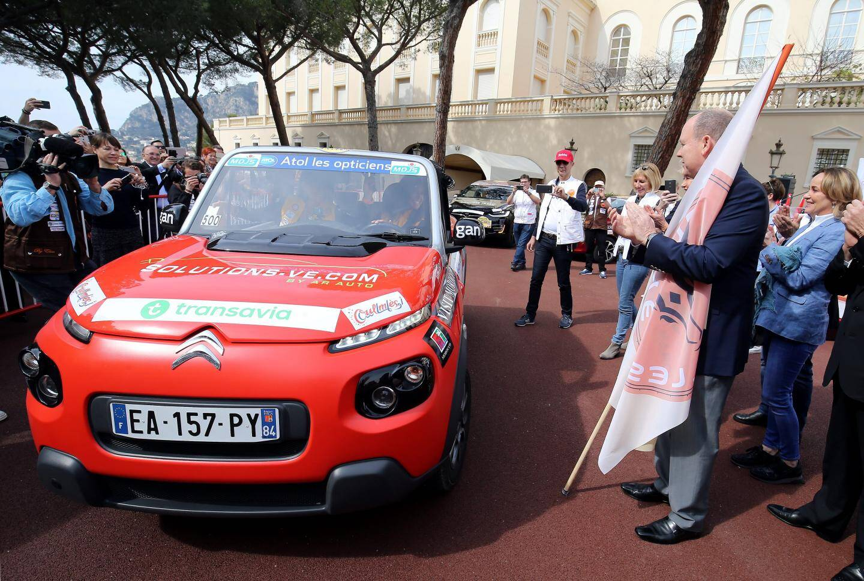 Avant le coup d'envoi à Nice du 18e rallye des Gazelles, la version électrique se déroulera à Monaco avec Jazmin Grace Grimaldi au départ.
