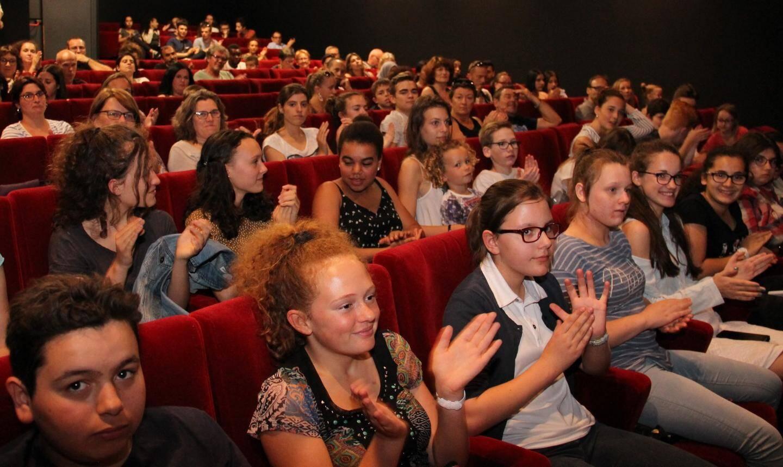 Salle comble pour la projection du court-métrage « 20/20 et alors ? ».