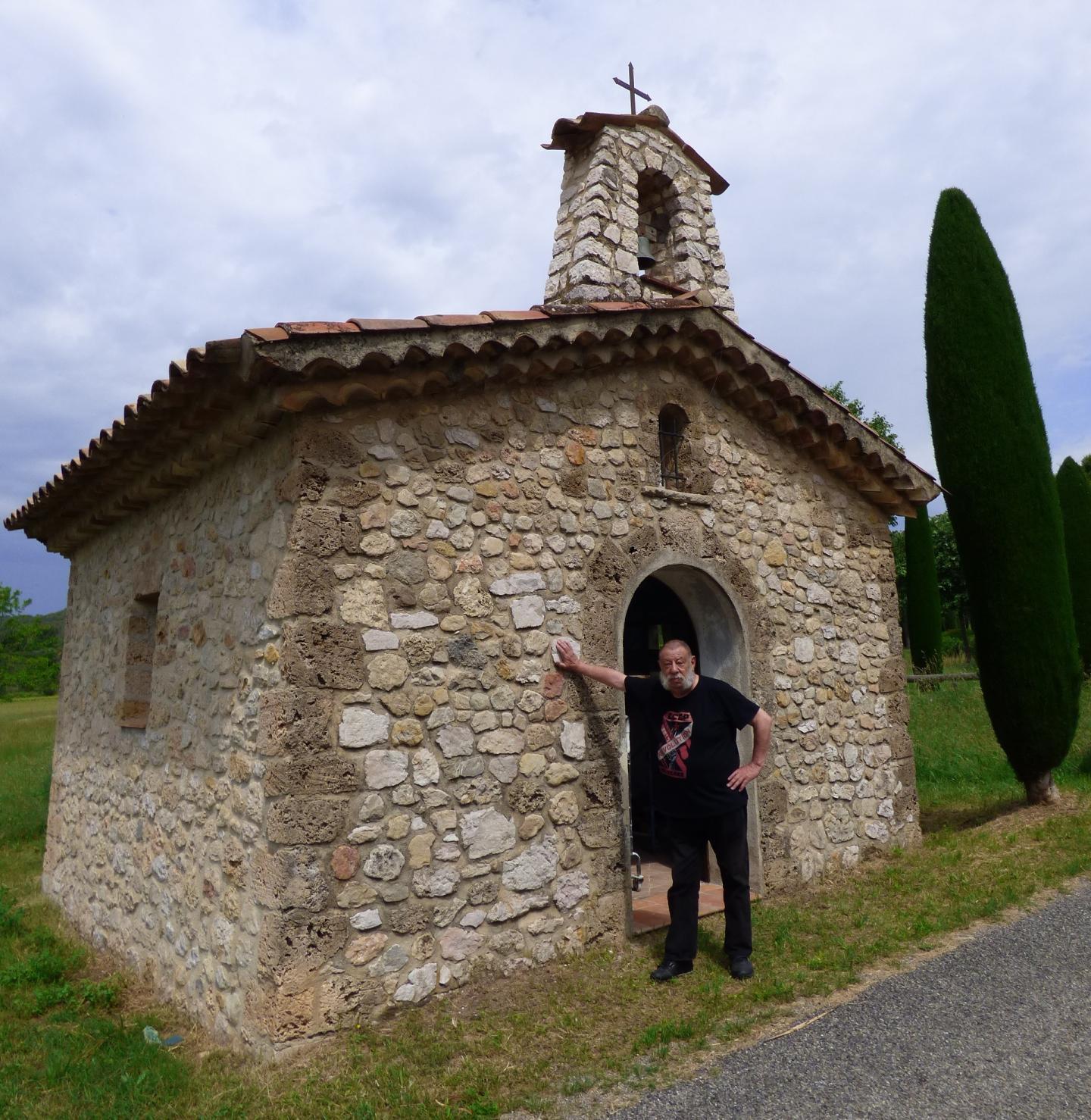 La chapelle Sainte-Anne de Villecroze.