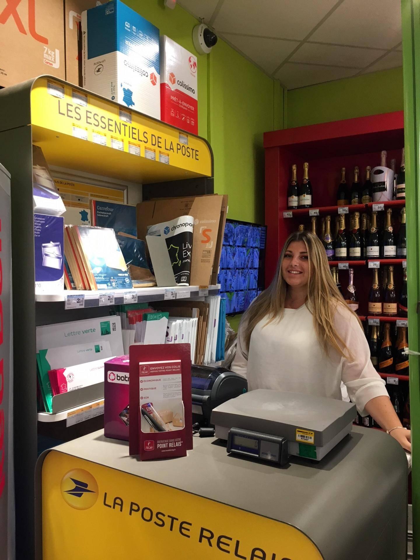 Le magasin de distribution alimentaire 8 à Huit du port d'Hyères