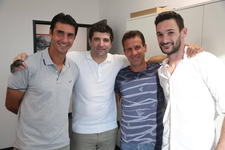 Lionel Letizi, entraîneur des gardiens, Cédric Messina, l'ami, Frédéric Gioria, adjoint de Patrick Vieira et Hugo Lloris : la famille niçoise est réunie.