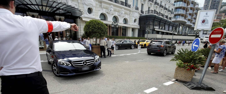 Il est désormais interdit de circuler devant le Casino de Monte-Carlo.