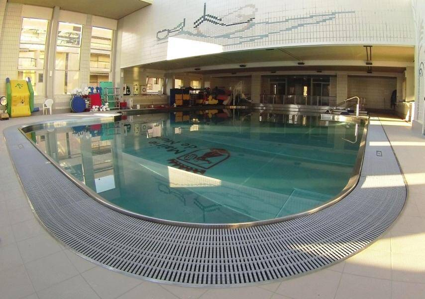 La piscine Saint-Charles à Monaco