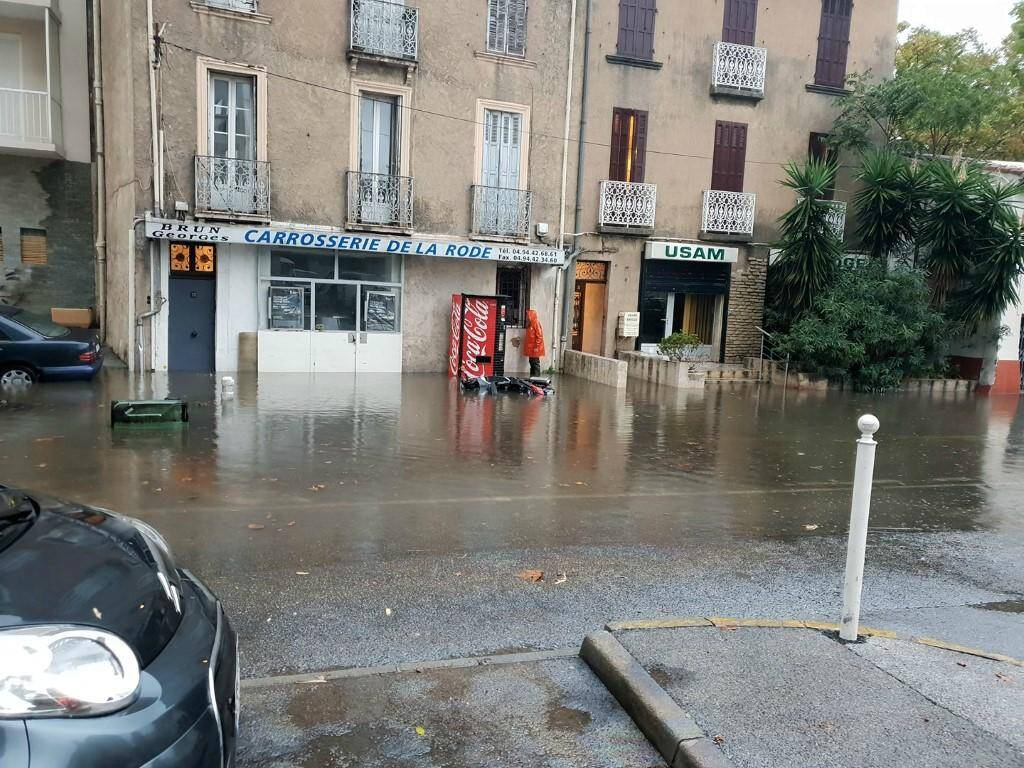 Montée des eaux dans le quartier de l'Aguillon.