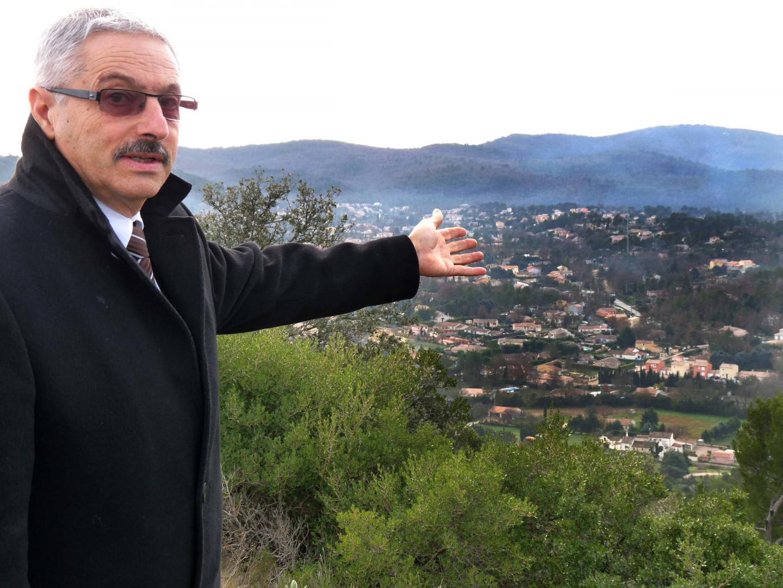 Le maire, Jean-Claude Félix.