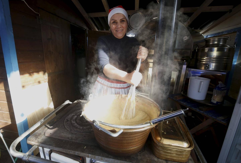 Chez mémé Albine pas de four ou de cuisinière électrique, tout se fait au feu de bois.