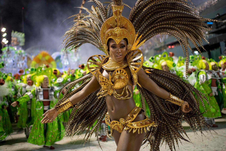 Pour la troisième année consécutive, les écoles de samba ont dû redoubler d'ingéniosité pour préparer leurs défilés, en raison de sévères restrictions budgétaires.