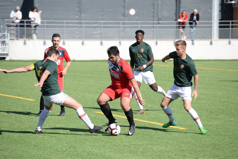 Les Monégasques (en vert) ont encaissé deux buts en six minutes, en seconde période.